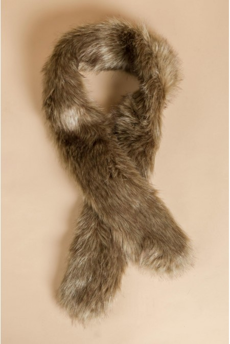 Luxurious faux fur scarf in BROWN color