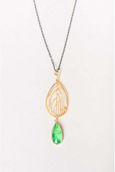 Wonderful steling siver necklace with a big diopside