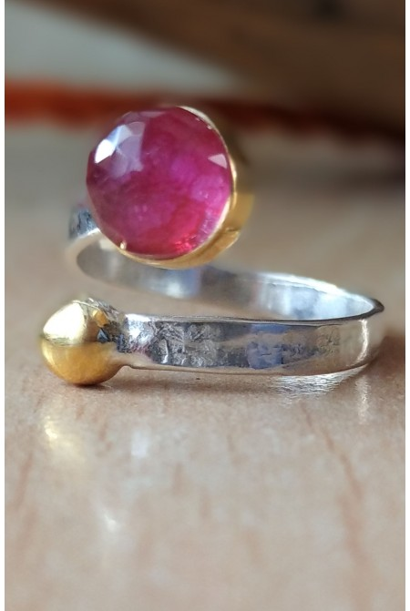 Elegant Ruby Ring / Ruby Ring / Anniversary ring / Gift for her   / Sterling Silver ring / Red ring