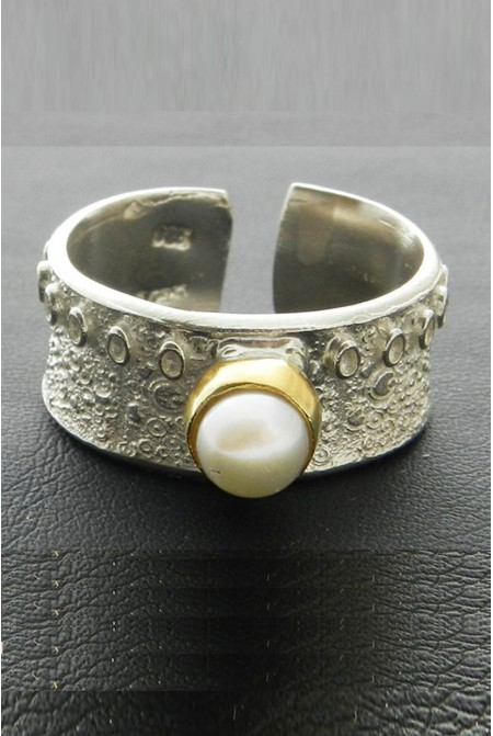Pearl ring / Silver pearl ring / white pearl ring /  pearl engagement ring / June birthstone pearl ring / Bridal gift