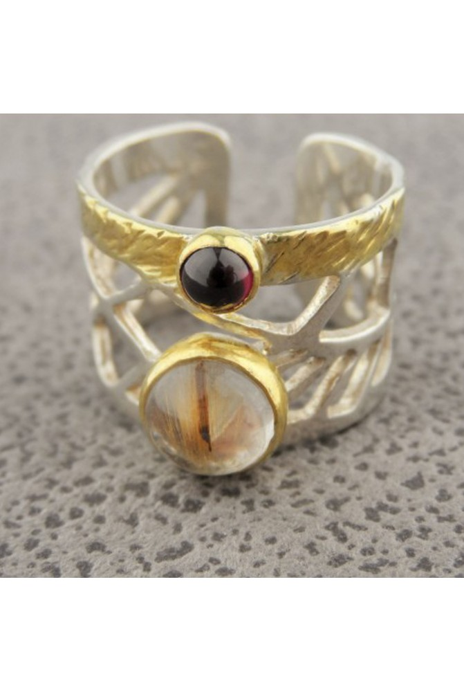 Sterling Silver Ring with a Quartz and a GARNET