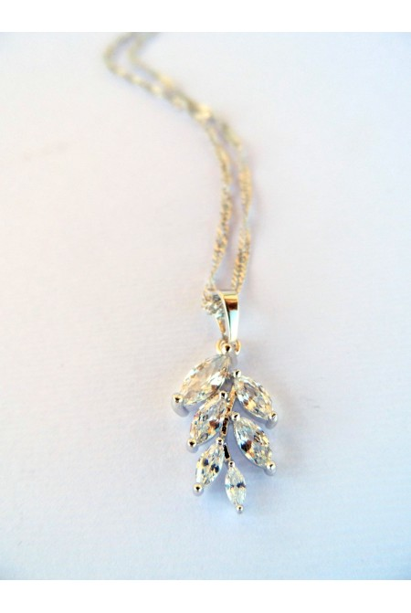 Elegant Necklace with Crystals  / Contemporary Crystal Necklace