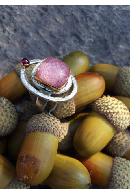Rhodochrosite  Ring /  Sterling Silver with a big Rhodochrosite and a garnet / Anniversary ring / Gift for her   / Red  ring / Black platinum ring /christmas ring