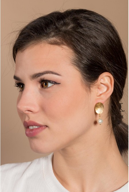 Earrings  with natural fresh water pearl