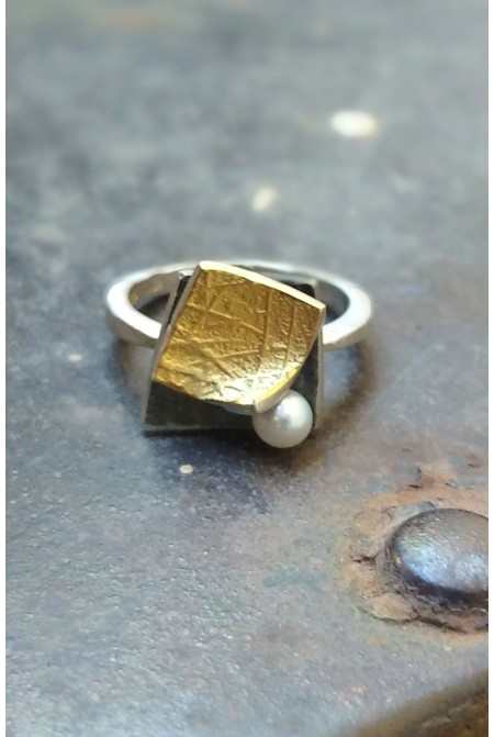Elegant handmade Sterling Silver ring with Gold details 22K and a brilliant 0,01ct /  Anniversary ring / Gift for her   / Sterling Silver ring / Gold ring