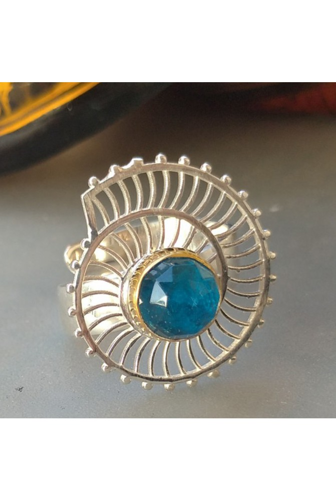 Elegant Apatite  Ring / Apatite  Ring / Anniversary ring / Gift for her   / Sterling Silver ring / Blue ring