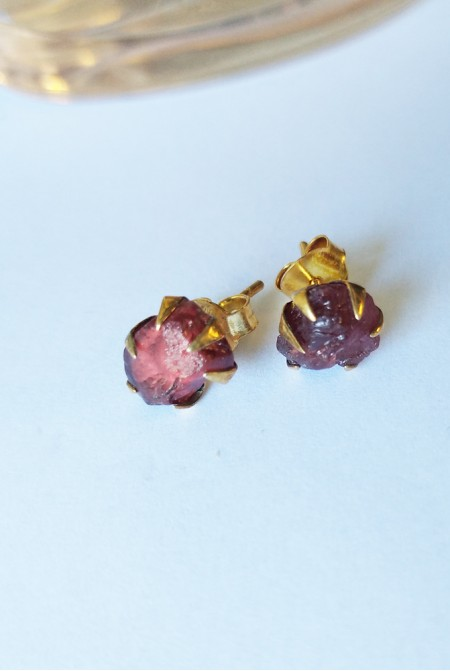 Handmade Sterling Silver Earnings with natural raw Garnet