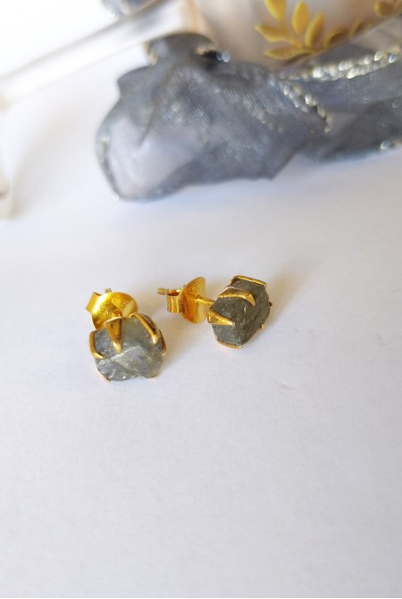 Handmade Sterling Silver Earnings with natural raw Labradorite