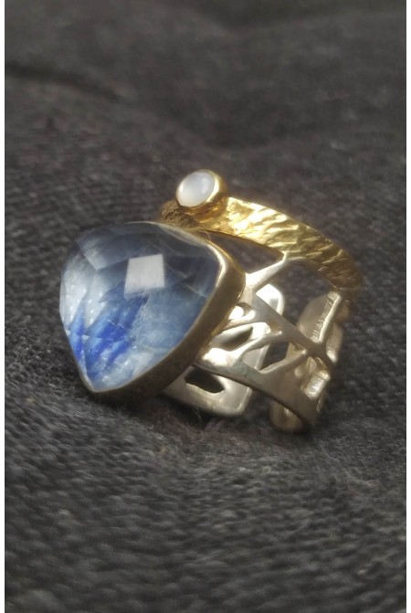 Beautiful sterling silver ring with a Kyanite and a smaller Moonstone /  Anniversary ring / Gift for her   / Sterling Silver ring